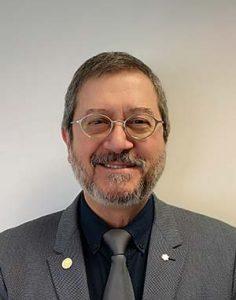 Une photographie du DrEduardoFranco, de l'Université McGill, chercheur travaillant sur les infections.